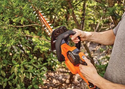BLACK+DECKER LHT341FF Hedge Trimmer, 40V MAX Lithium, 24-inch