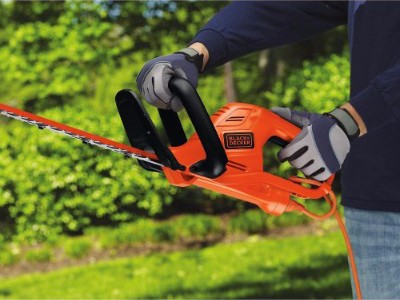 BLACK+DECKER HT22 Electric Hedge Trimmer, 22-inch